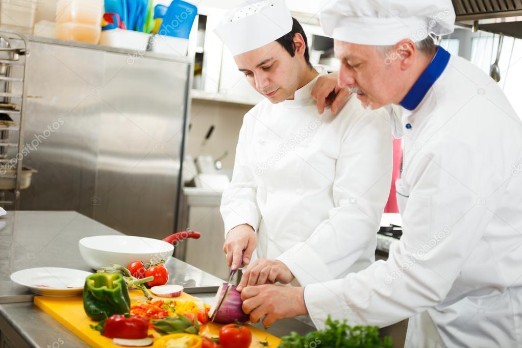 Koch in seiner Küche kochen — Stockfoto © minervastock #27202743
