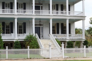 Southern states style mansion