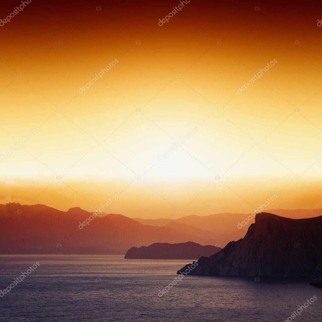 Фотообои Закат, горы, море