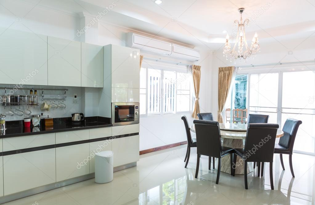 mit Kaffee-Ecke in modernen Heim-Wohnzimmer-Küche-Kabinette ...