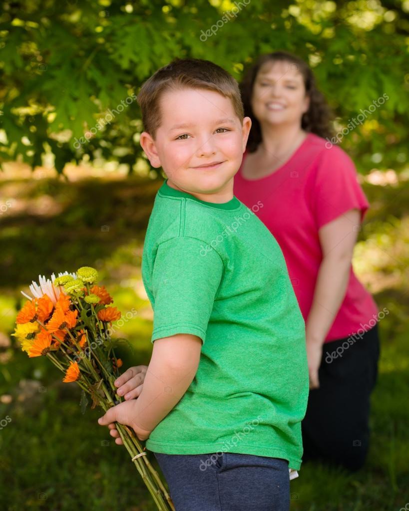 Маме цветы на знакомство его
