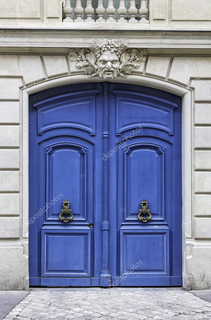 Eingangstür holz bogen eingangstür in stockfoto marchello74 35143709
