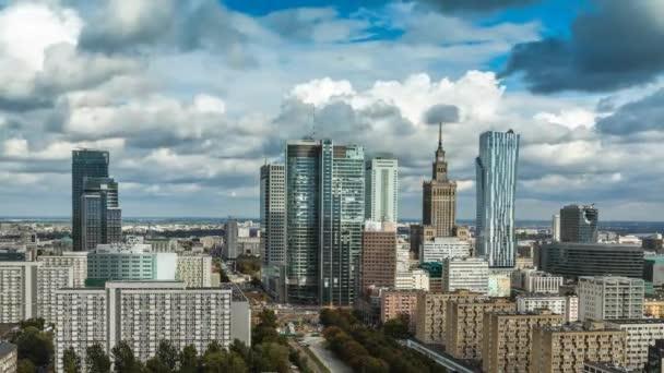 Varšava panorama města timelapse s oblak dynamický