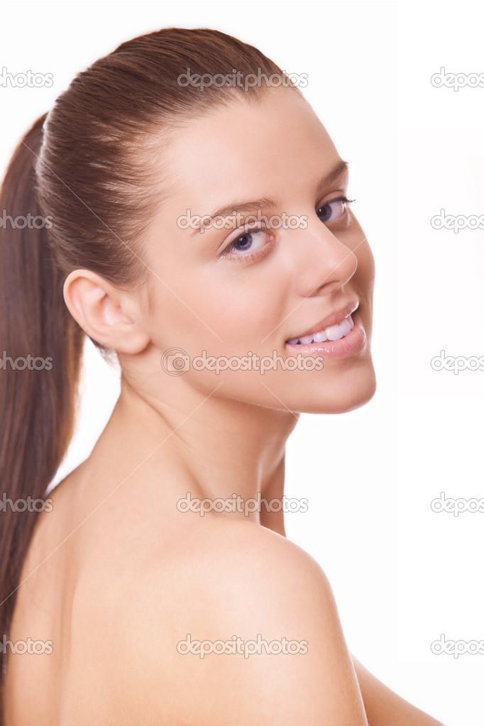 visage jeune femme