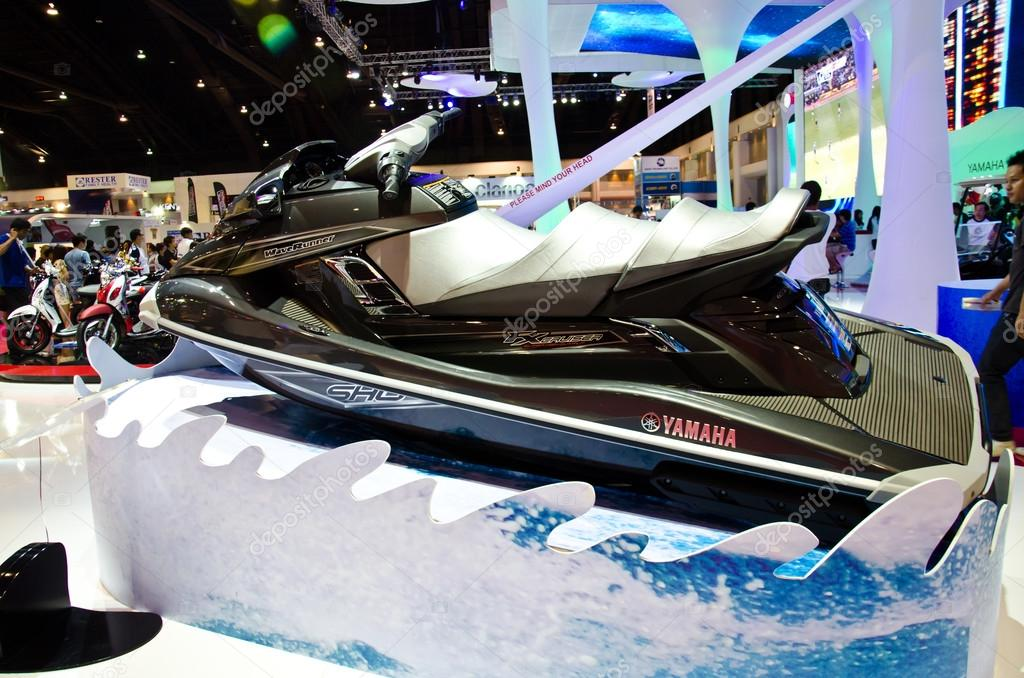 The Yamaha WaveRunner FX cruiser jet ski – Stock Editorial Photo