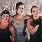 Три женщины потные Boot Camp тренировки — стоковое фото #14933983