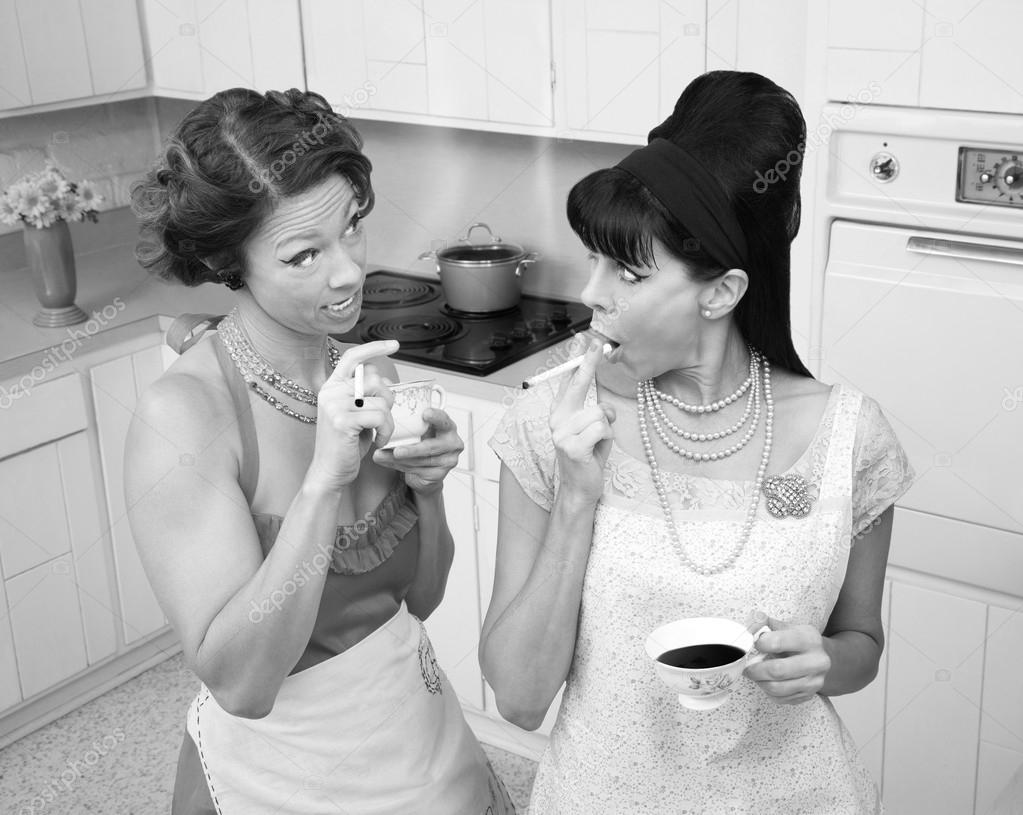 Retro Tabak Keukens : Praten in de keuken u2014 stockfoto © creatista #40630677