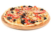 Photo Tasty pizza with vegetables, chicken and olives isolated on white