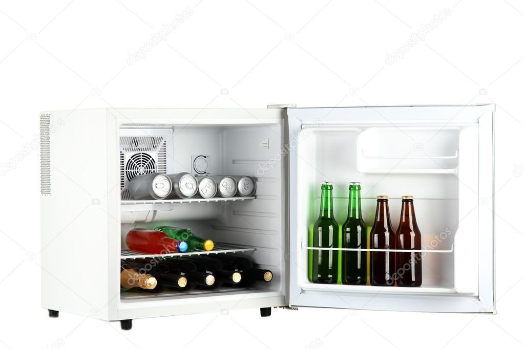 Kleiner Kühlschrank Weiß : Mini kühlschrank voller flaschen alkoholische getränke