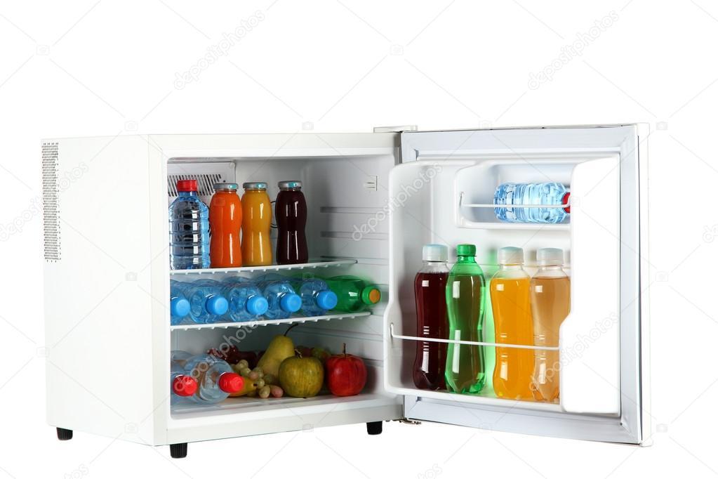 Mini Kühlschrank Für Eine Flasche : Mini kühlschrank voller flaschen saft soda und obst isoliert auf