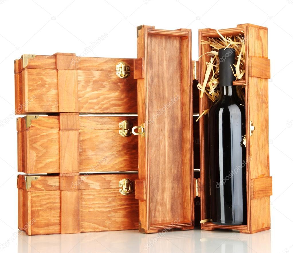 cajas de madera para vino aislado en blanco u foto de stock