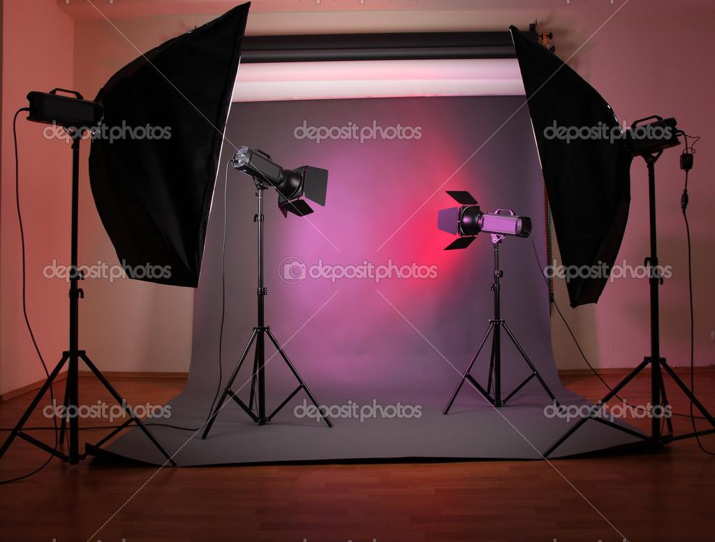 наряду световое оборудование в фотостудии как работает надевайте поверх
