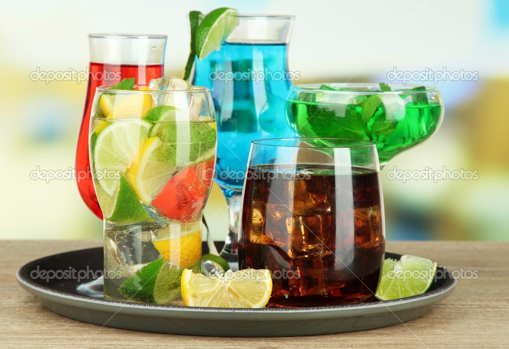 Третий прямой эфир - 14 декабря - Страница 3 Depositphotos_31125073-stock-photo-many-glasses-of-cocktails-on