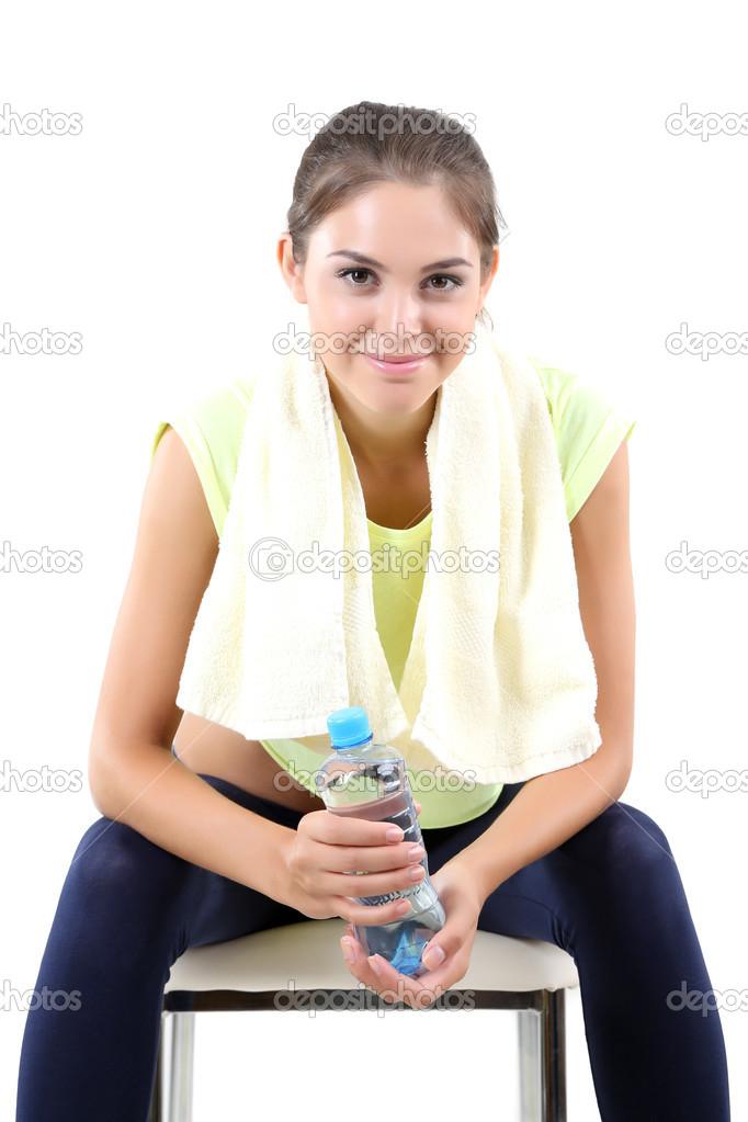 Молодая девушка дрочит в ванной