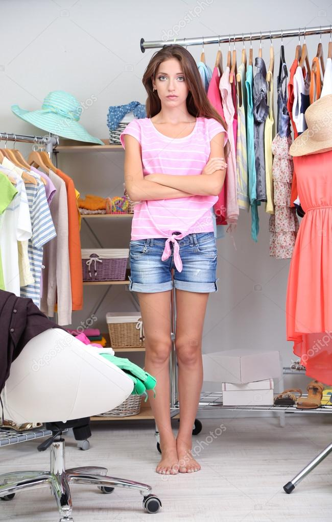 girls-changing-clothes-pictures