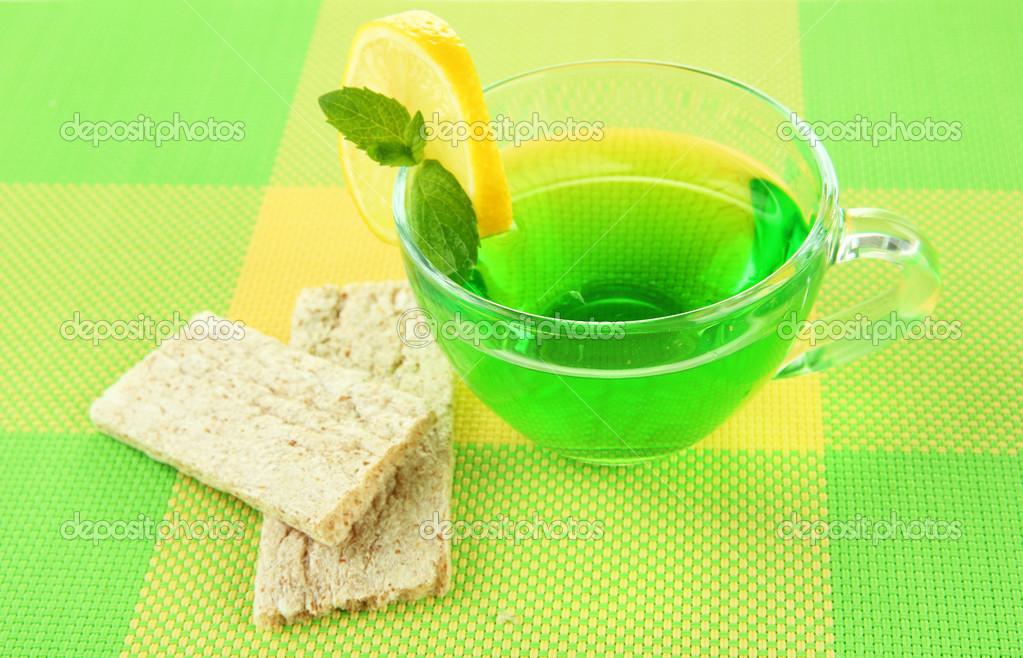 Transparente Tasse Gruner Tee Diat Brot Auf Stoff Hintergrund