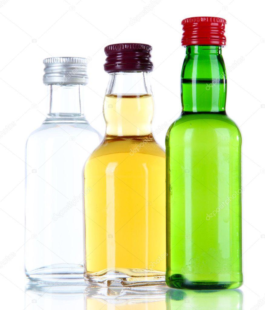 Minibar-Flaschen, isoliert auf weiss — Stockfoto © belchonock #33944319
