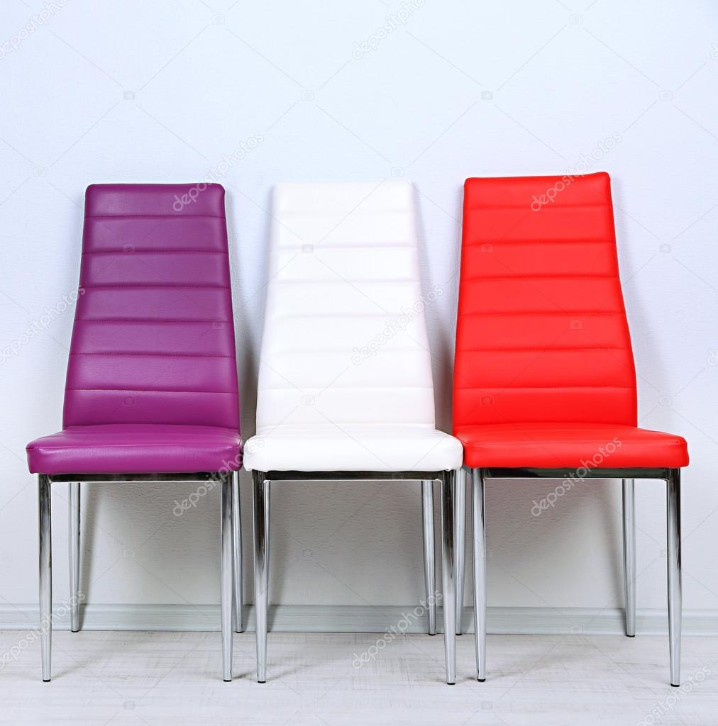 Gewaltig Stühle Modern Ideen Von Moderne Farbe Stühle Auf Wand-hintergrund — Stockfoto
