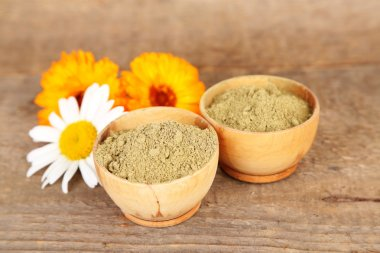Dry henna powder in bowl