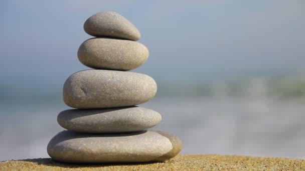 Zen kameny na pláži