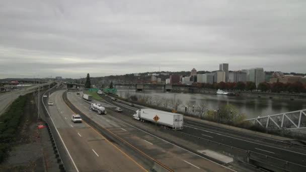 Portland Oregon City Skyline with Highway Traffic Timelapse — Stock