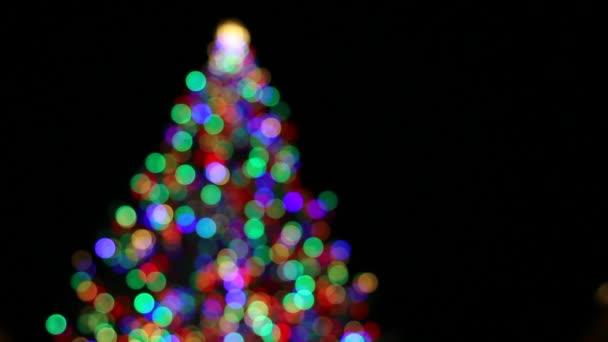 Weihnachtsbeleuchtung Bunt.Weihnachtsbeleuchtung Weihnachtsbaum Bunt Mit Sekt Aus Fokus Bokeh