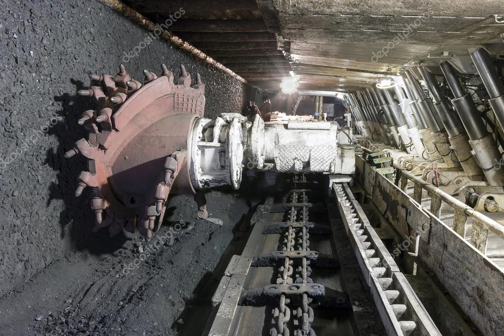 https://st.depositphotos.com/1183609/2482/i/950/depositphotos_24825539-stock-photo-coal-extraction-coal-mine-excavator.jpg