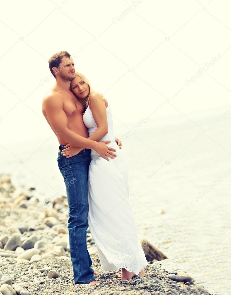 Фото семейной пары на пляже фото 383-972