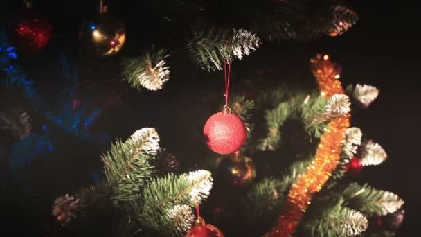 geschmückter Neujahrsbaum