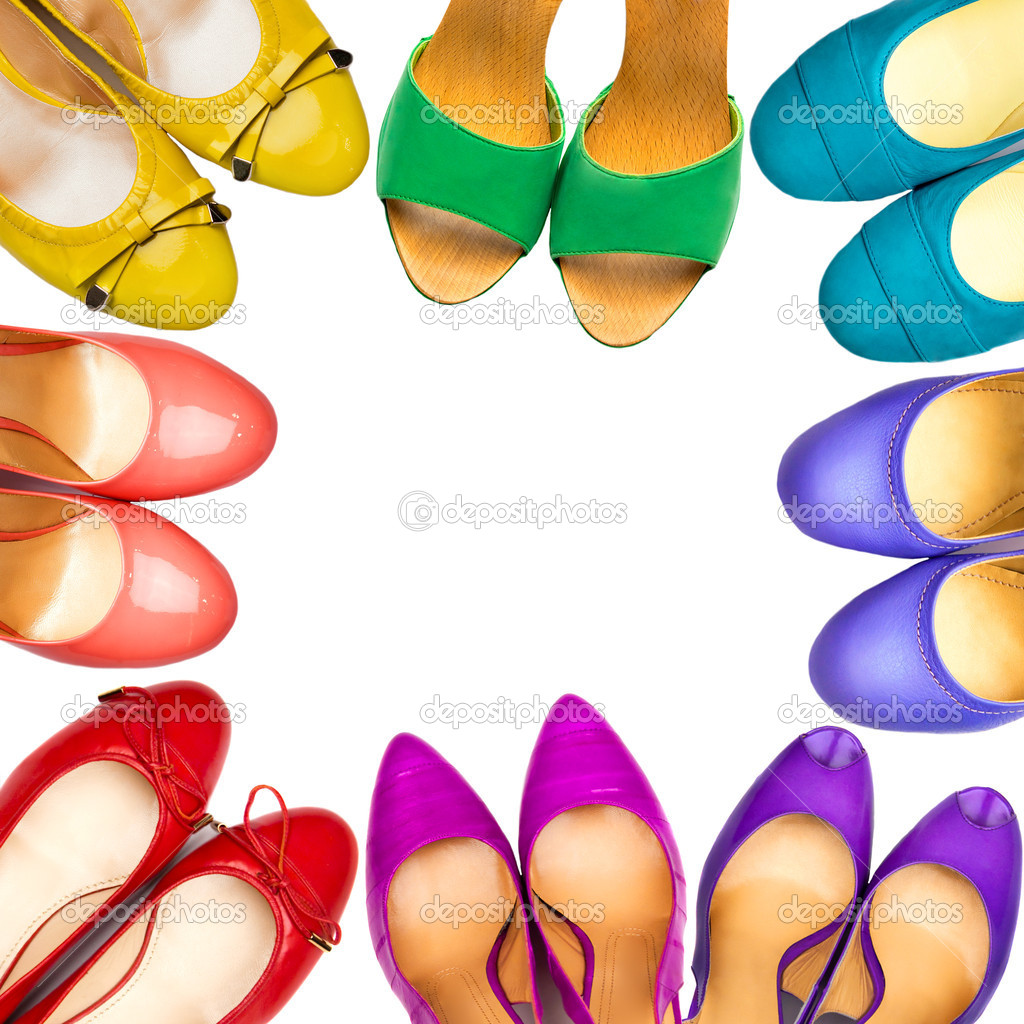 e3774b2509e Σετ πολύχρωμα Γυναικεία παπούτσια που διοργανώνονται στο πλαίσιο σε λευκό  φόντο — Εικόνα από MaleWitch| ...