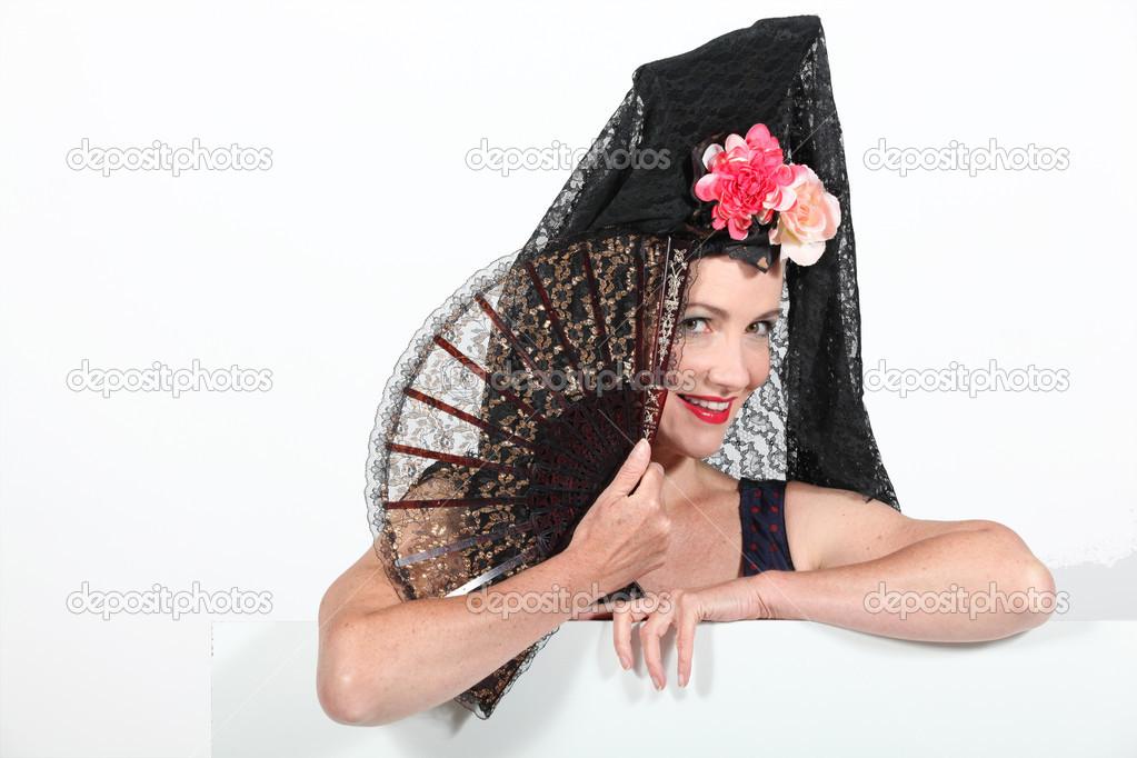 mujer en traje de señora española — Foto de stock © photography33 ... 13a33d23ede