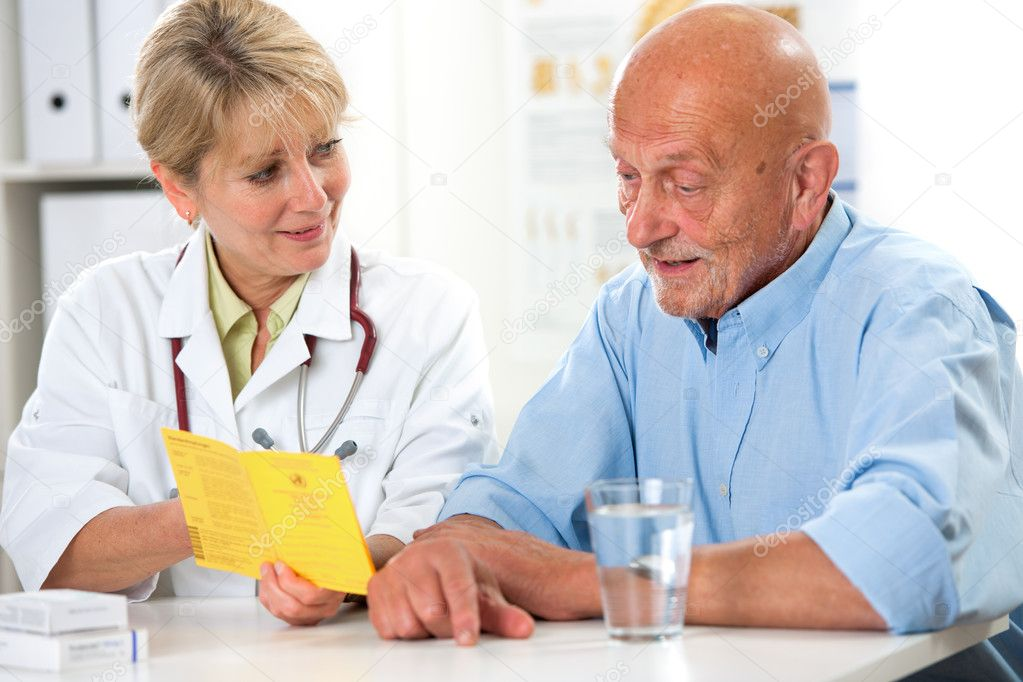 examen médico — Fotos de Stock © alexraths #12823299