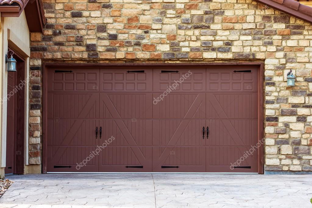 Portes de garage large photographie welcomia 50502985 for Telecharger gad garage