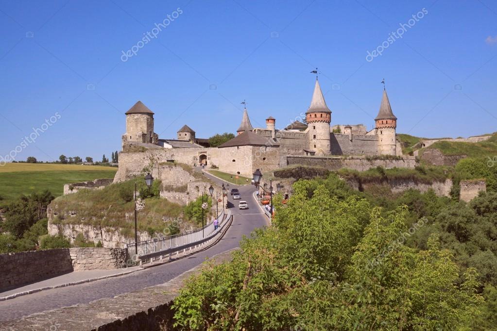 Vecchio castello kamenetz podolsk citt di castello for Piani di casa castello medievale