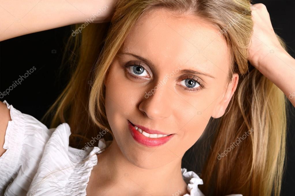 Lange blonde haare blaue augen