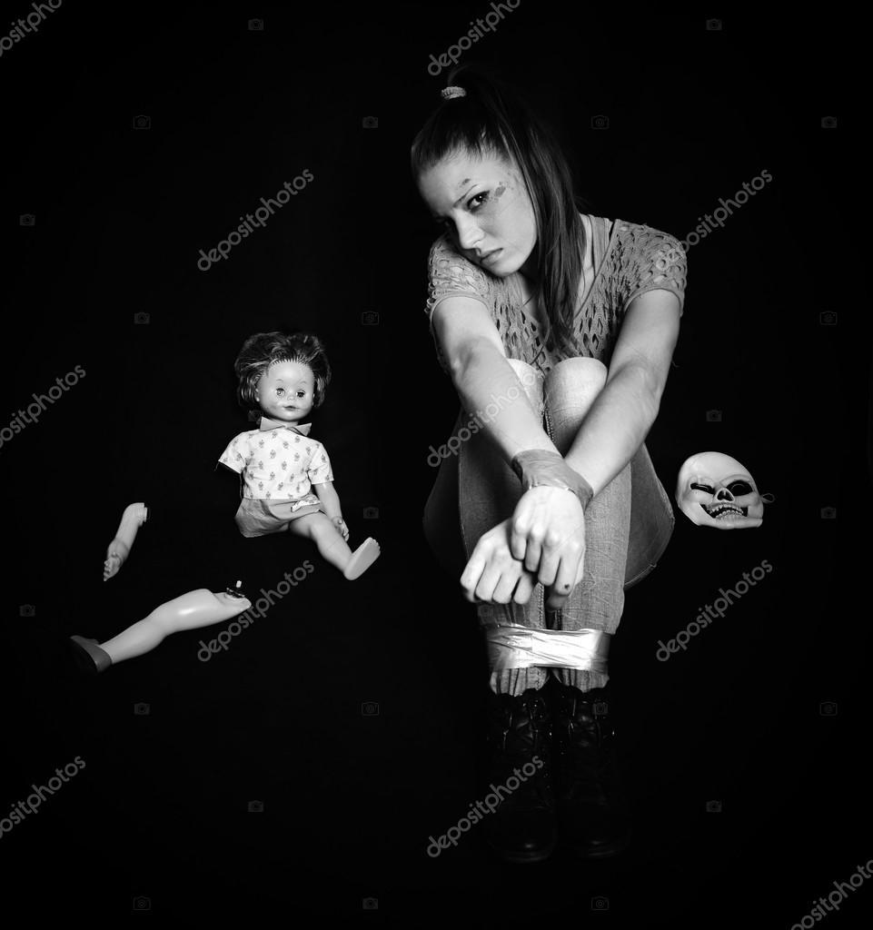 belle femme victime de violence conjugale et abus photographie muro 33217267. Black Bedroom Furniture Sets. Home Design Ideas