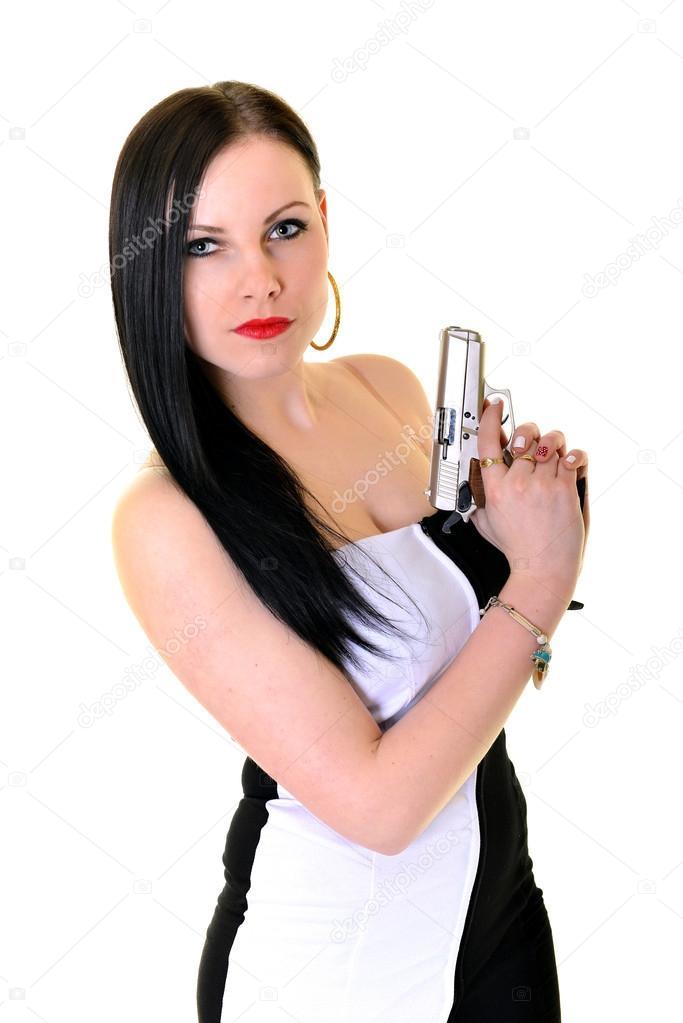 Сексуальная полуобнаженная блондинка с пистолетом
