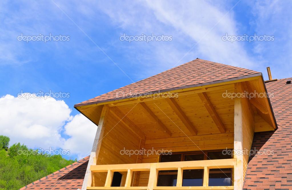 Dachgaube Mit Balkon Oben Auf Ein Haus Stockfoto C Ampack 26455527