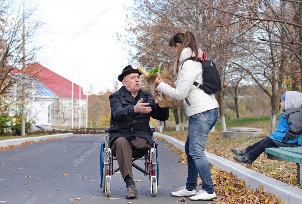Discapacitado en silla de ruedas - 2 part 6