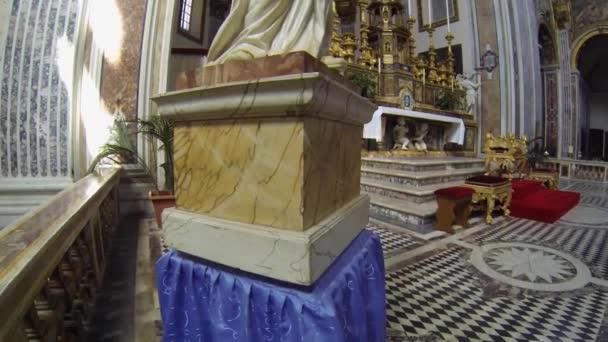 Naples, Itálie - cca prosince 2013: san paolo maggiore oltář