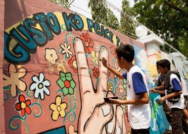 Worlds longest peace mural