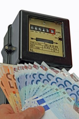 electric current meter with many euro to be paid and
