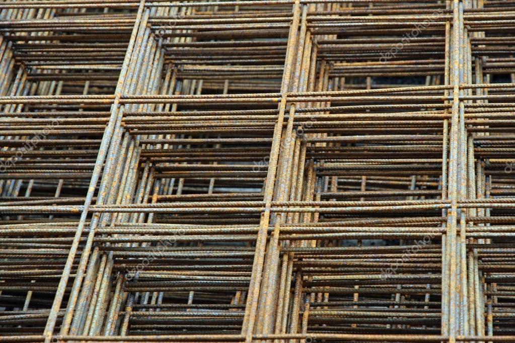 Satz von Eisen Gitter für Beton Gießen in der Baustelle — Stockfoto ...