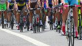 Cyklisté se sporty, v abbiglaimento během náročné r