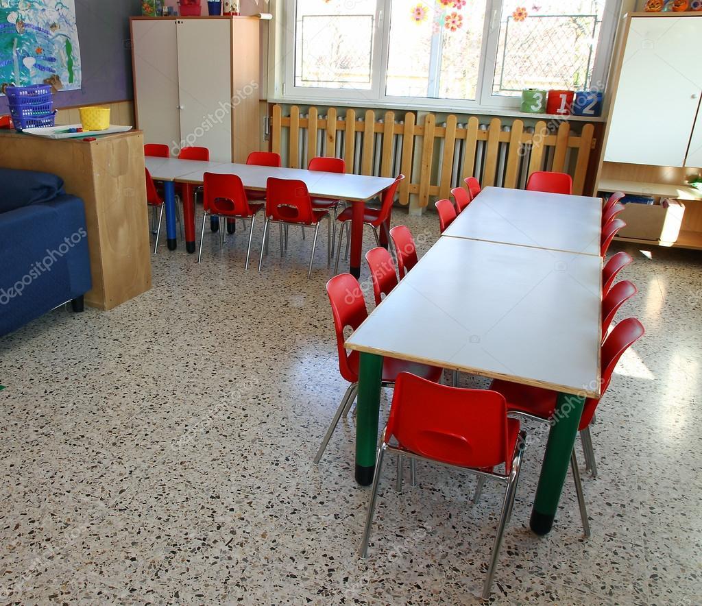 Muebles De Interior De Mesas Y Sillas Rojas Fotos De Stock  # Muebles Deinterior