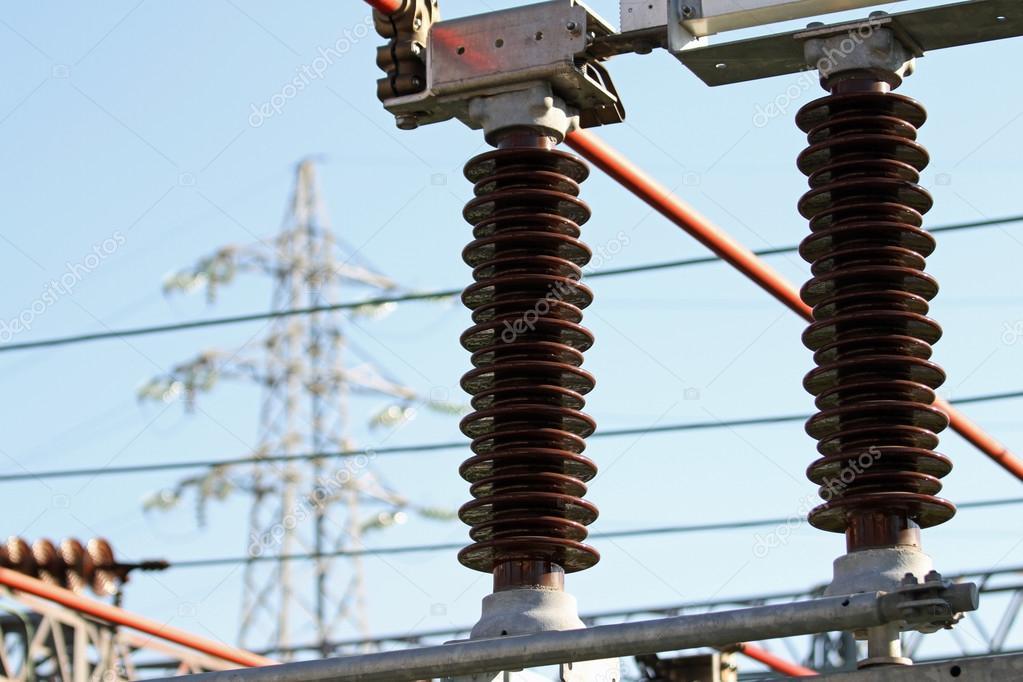 High Voltage Insulator Failures : Elektrische isolatoren ein hochspannungs kraftwerk