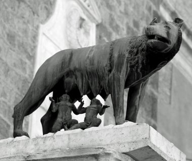 statue of the she-Wolf with twins Romulus and Remus suckled