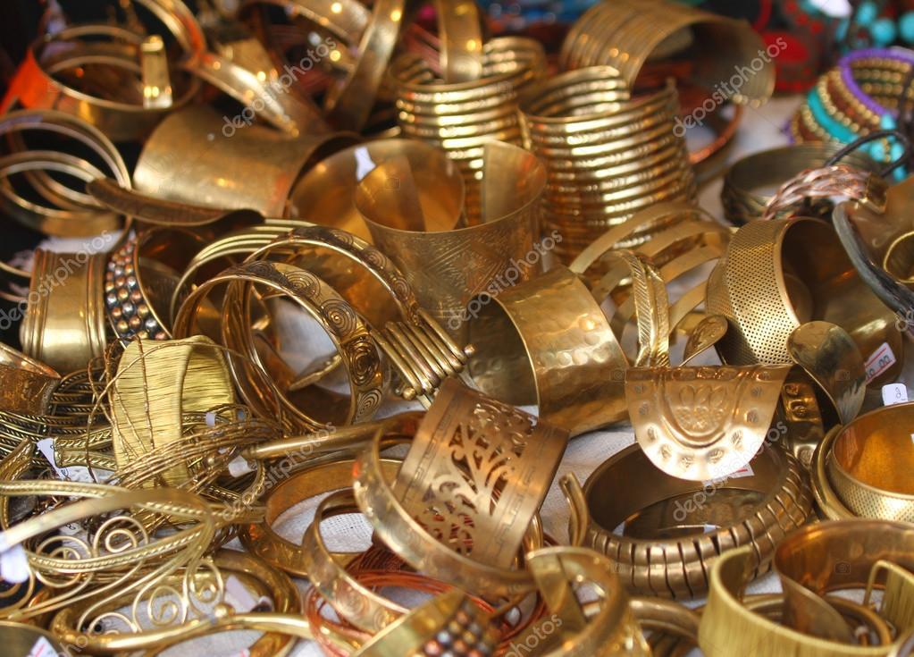 te koop gouden juwelen