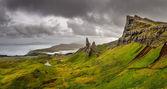 panoramatický pohled na starce hory storr, Skotská vysočina