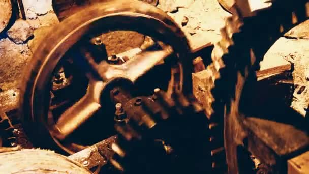 Old vintage gear wheels rotating